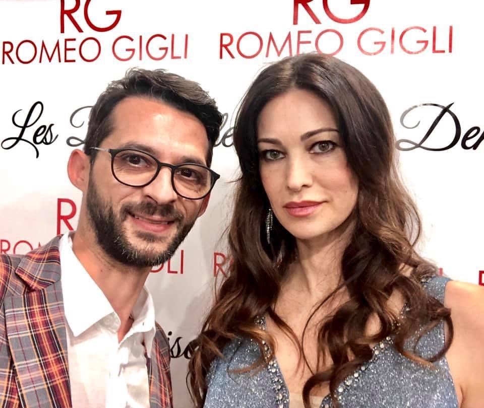 design flower rosario parenti con Manuela Arcuri